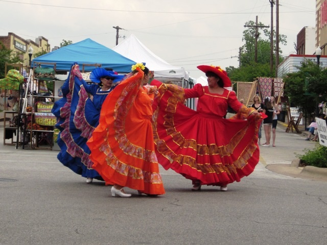 Airing of the Quilts - Ballet Folklorico