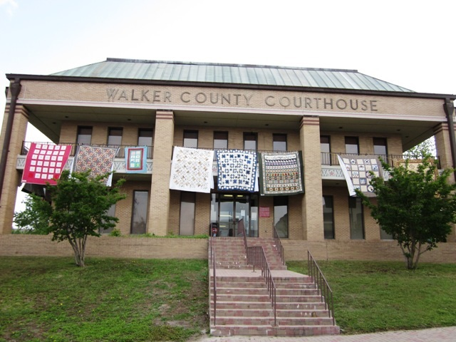 Airing of the Quilts - Courthouse