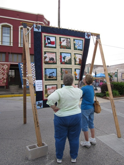 Airing of the Quilts - Visitors